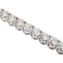 18ct white gold round brilliant cut diamond bracelet, hallmarked, total diamond weight approx 6.40 carat