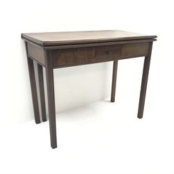 Georgian mahogany fold-over card table, single drawer, square reeded supports, W92cm, H73cm, D90cm