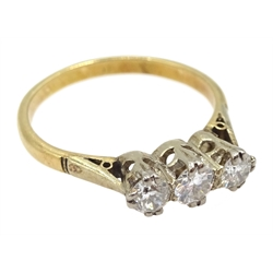 15ct gold three stone round brilliant cut diamond ring, total diamond weight approx 0.40 carat